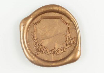 antiquegold-crest